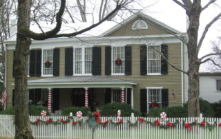 Antebellum Home in Huntsville decorated for Christmas
