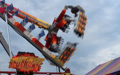 County Fair Feuerball ride